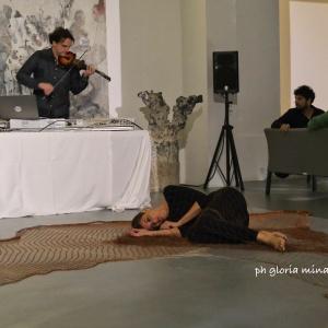 Mario Bajardi in concerto con performance di Ambra Maniscalco allo Stand Florio