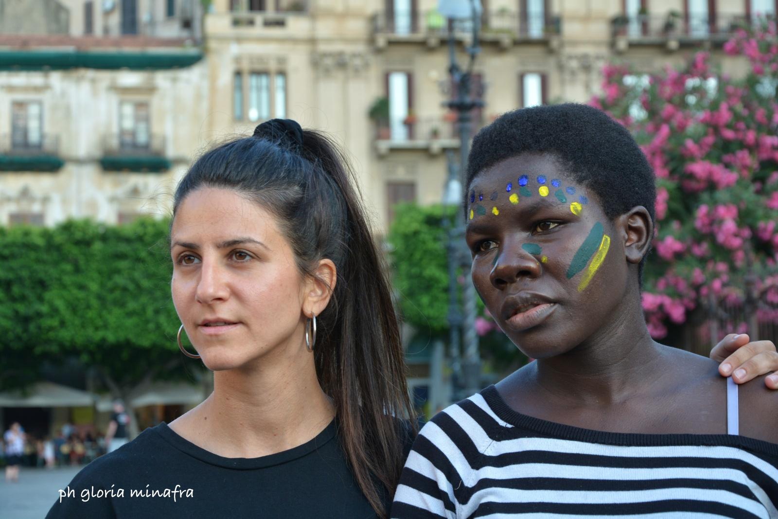Identità: Performance di arte terapia e multiculturalità